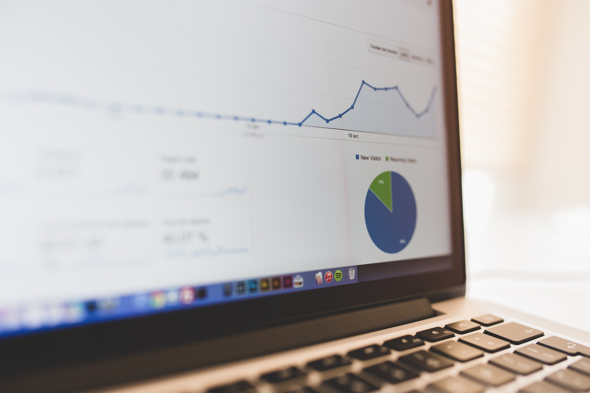 How Your Logs Can Tell the Story of Your Business